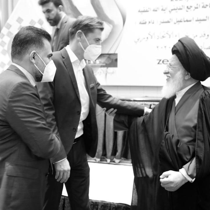 Daniel Gerlach with Ayatollah Seyyed Hussein Ismail al-Sadr and Alaa Al-Bahadli